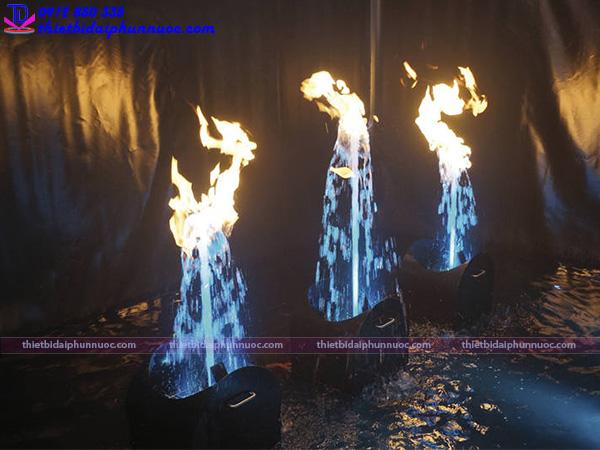 Vòi phun nước tạo lửa Fountain Flame 1