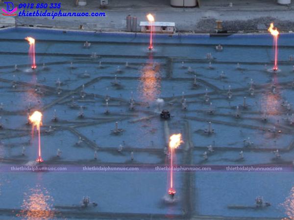Vòi phun nước tạo lửa Fountain Flame 4