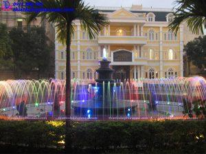 Đài phun nước trường ĐH Quốc gia Hà Nội