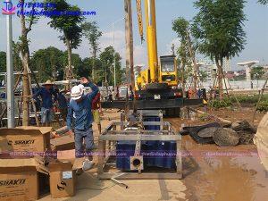 Đài phun nước phao nổi tại công viên Mai Dịch
