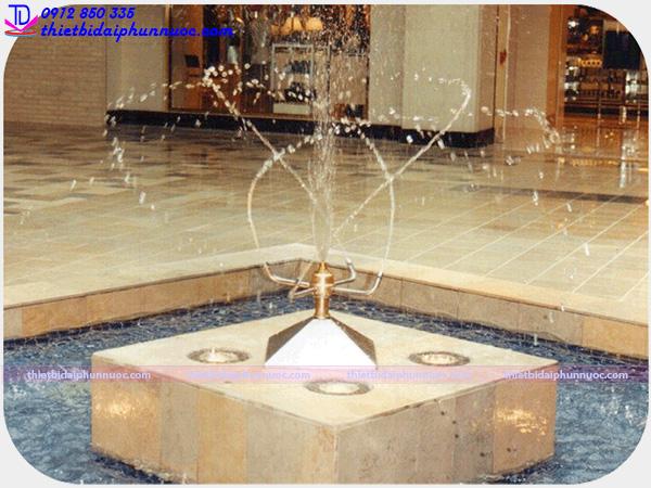 Vòi phun nước quay tròn 10