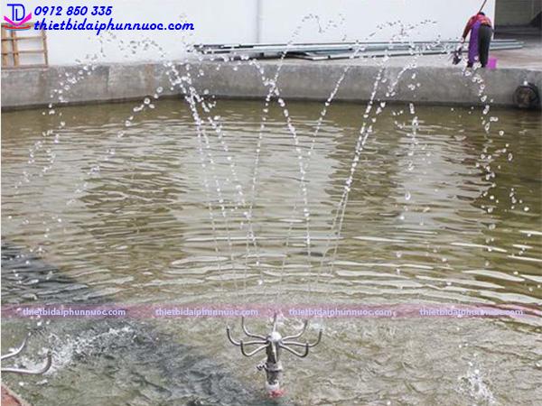 Vòi phun nước quay tròn 8