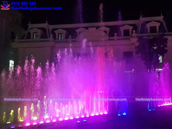 Thi công nhạc nước khách sạn Hoàng Nhâm 16