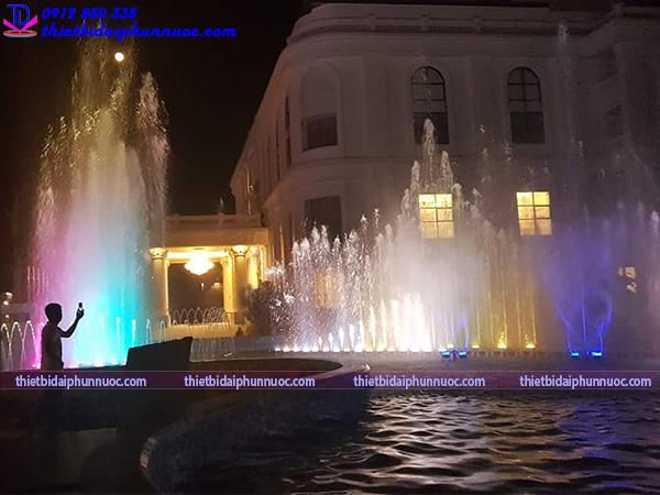 Thi công nhạc nước khách sạn Hoàng Nhâm 18