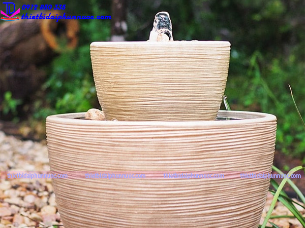 Đài phun nước bằng chậu cây 1