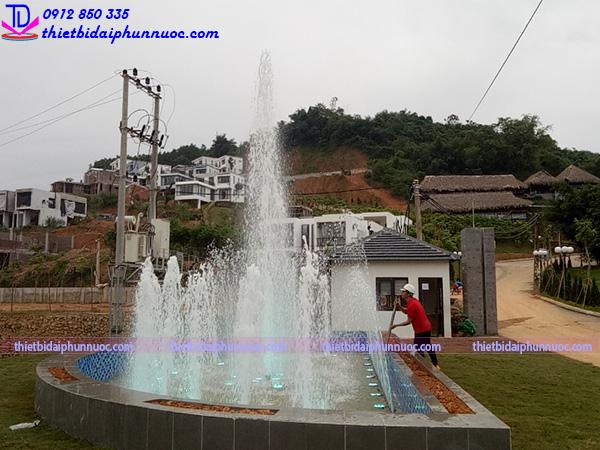 Đài phun nước hình bán nguyệt 3
