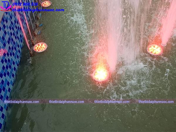 Đài phun nước hình bán nguyệt 4