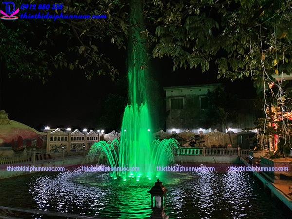 Đài phun nước phao nổi trên hồ cho biệt thự 7