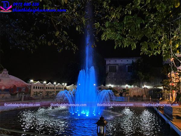Đài phun nước phao nổi trên hồ cho biệt thự 8
