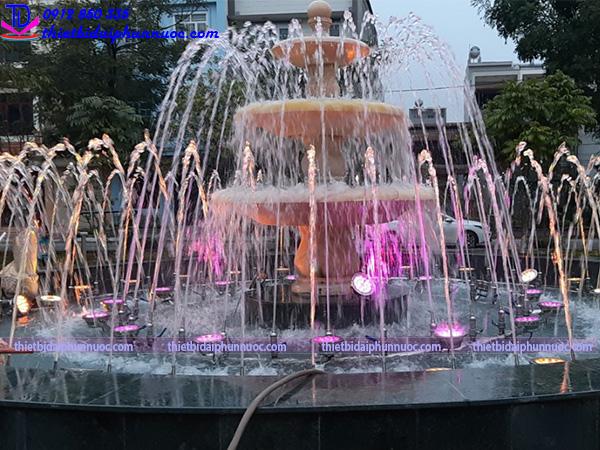 Đài phun nước vườn hoa Nguyễn Quán Quang 1
