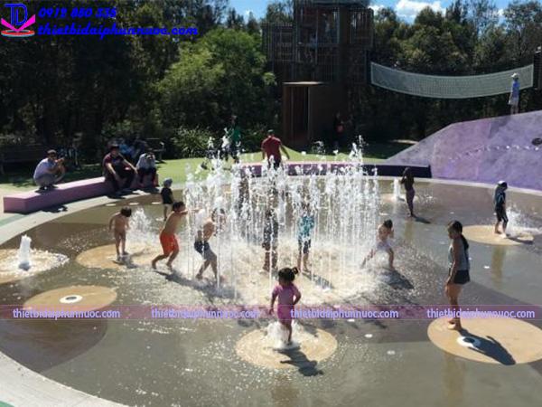 Sân chơi phun nước cho công viên 7